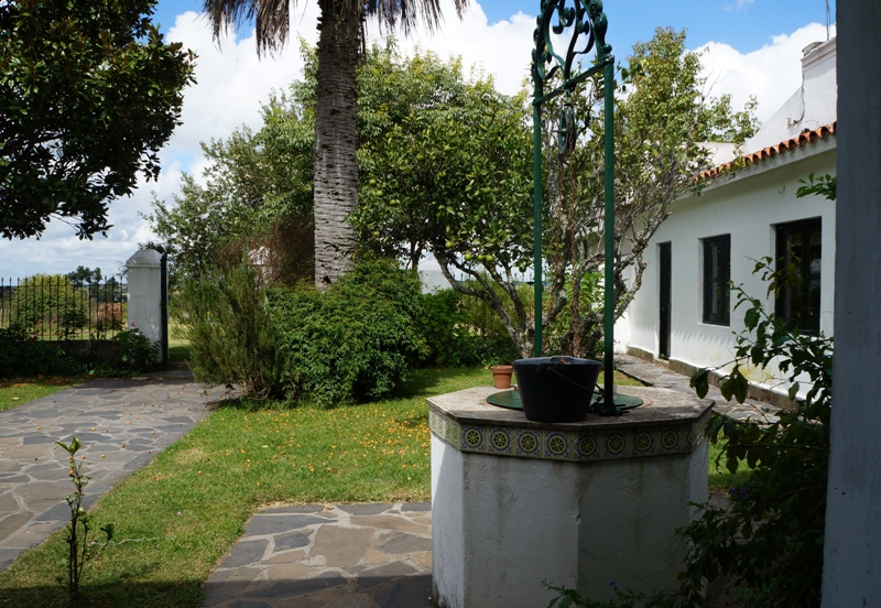 Estancia farmstead (casco) courtyard, cistern