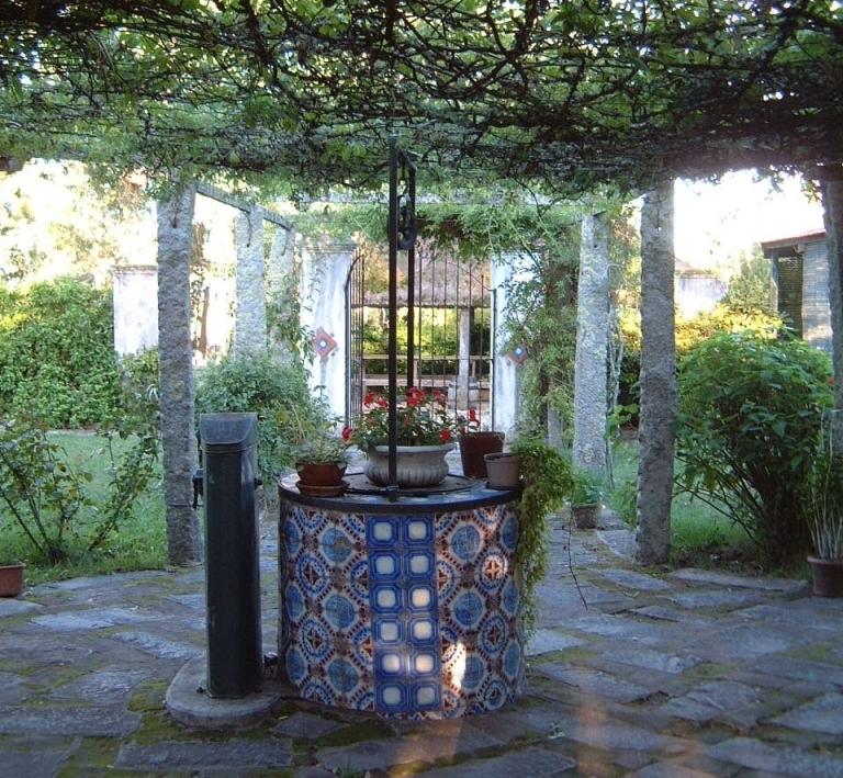 Estancia Tornero courtyard, cistern